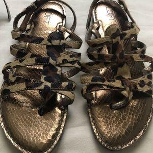 Cheetah print flat sandals